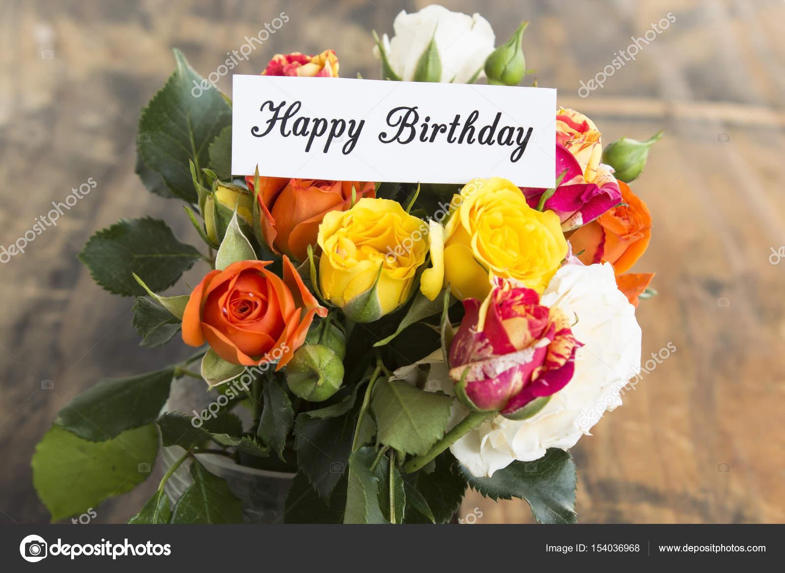 Cartolina Di Buon Compleanno Con Il Mazzo Di Rose Foto Stock