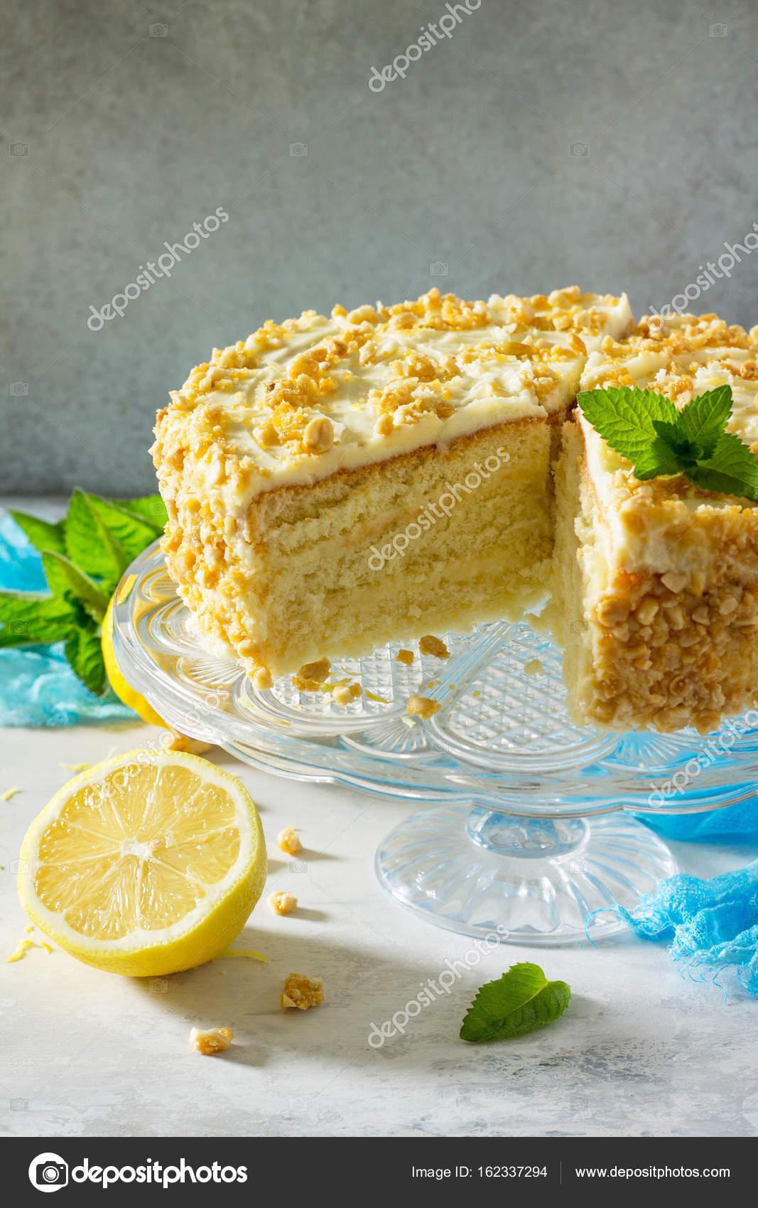 Kostliche Geburtstag Kuchen Zitrone Zwieback Und Butter Creme