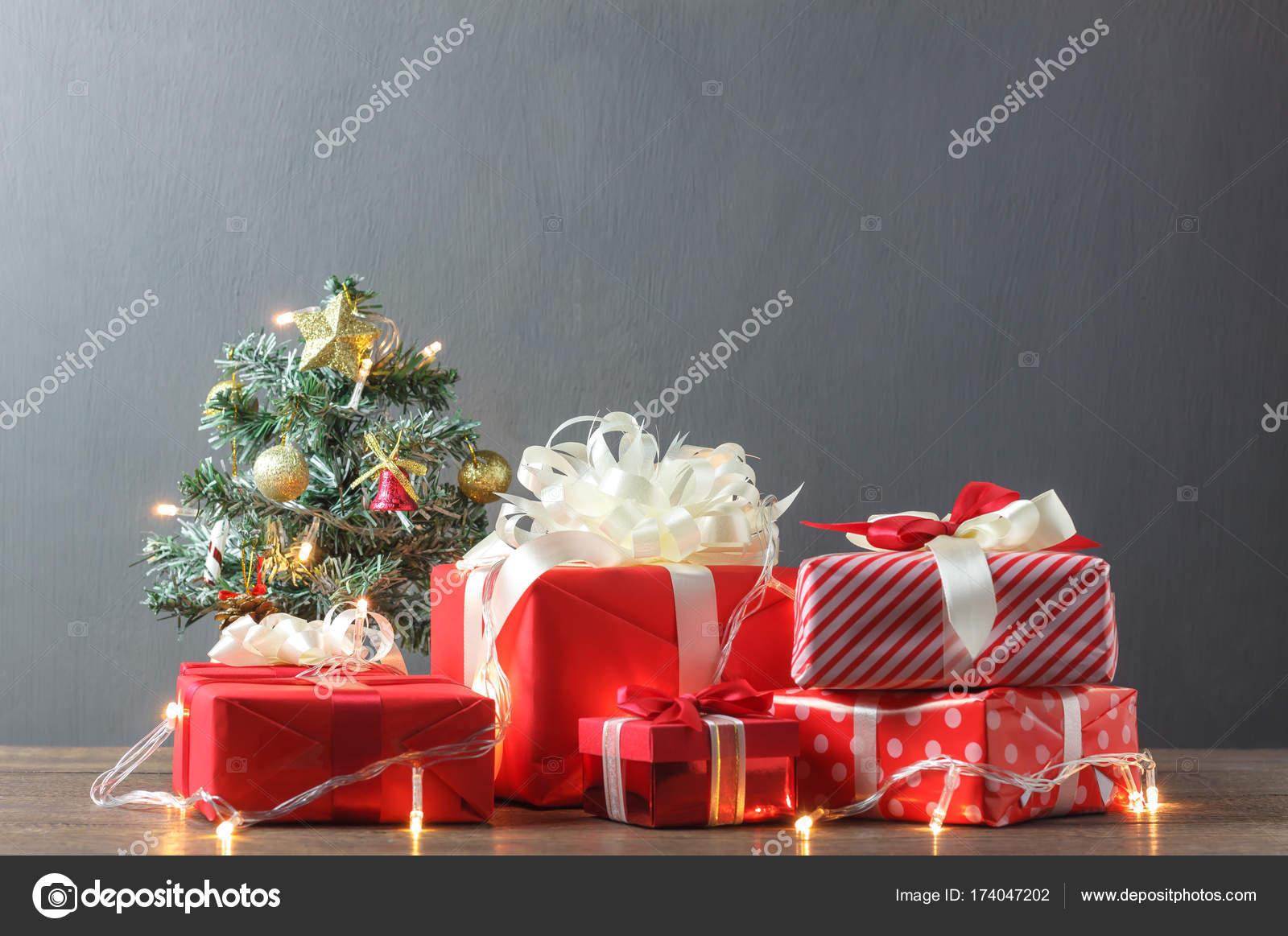 Happy natale capodanno e inverno stagione concept object sul