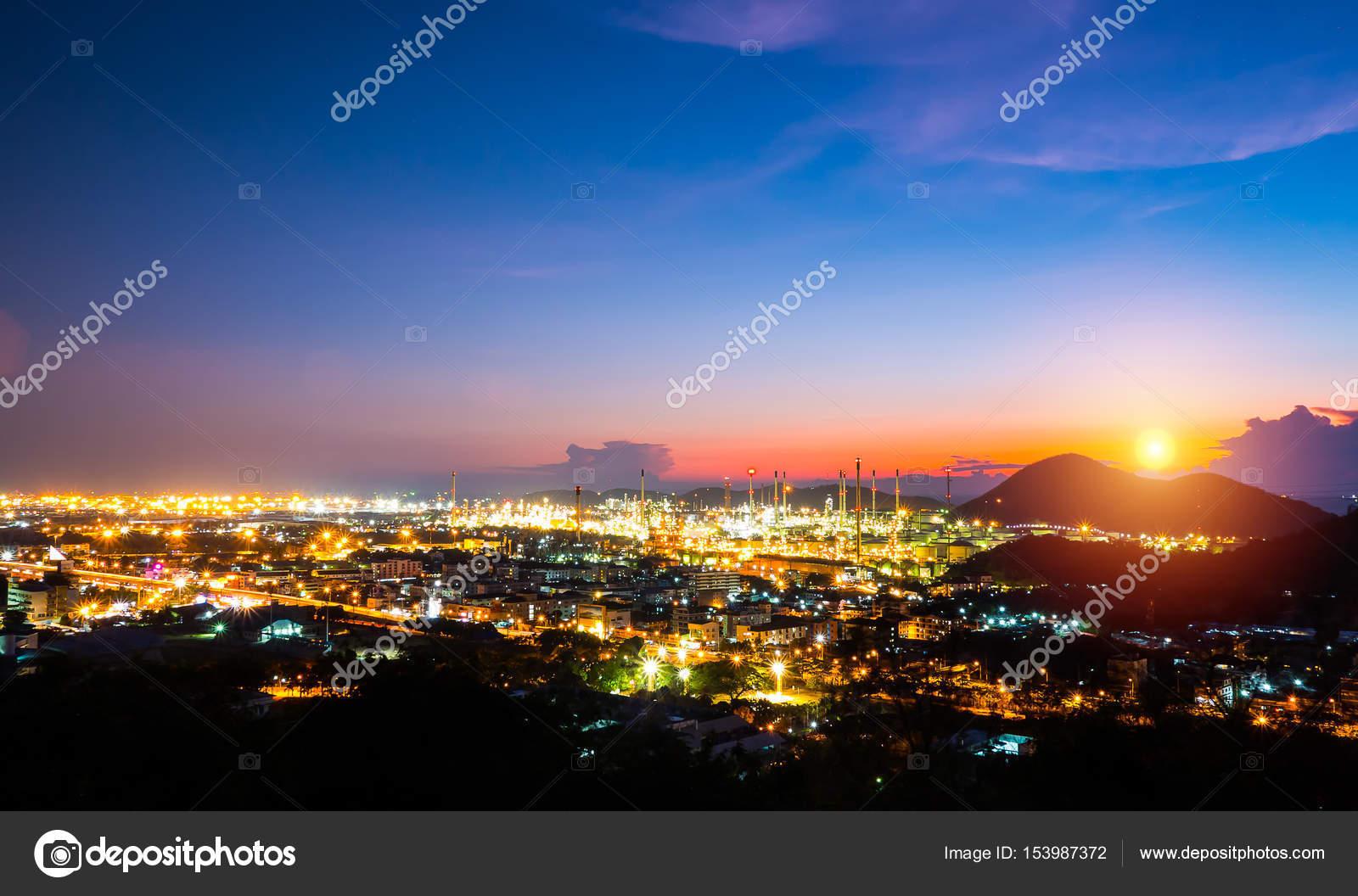 Landscape oil refinery at Sriracha Chonburi,Thailand — Stock