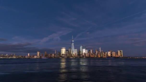 Západ slunce timelapse ostrova Manhattan, New York. Spojené státy americké, 2017