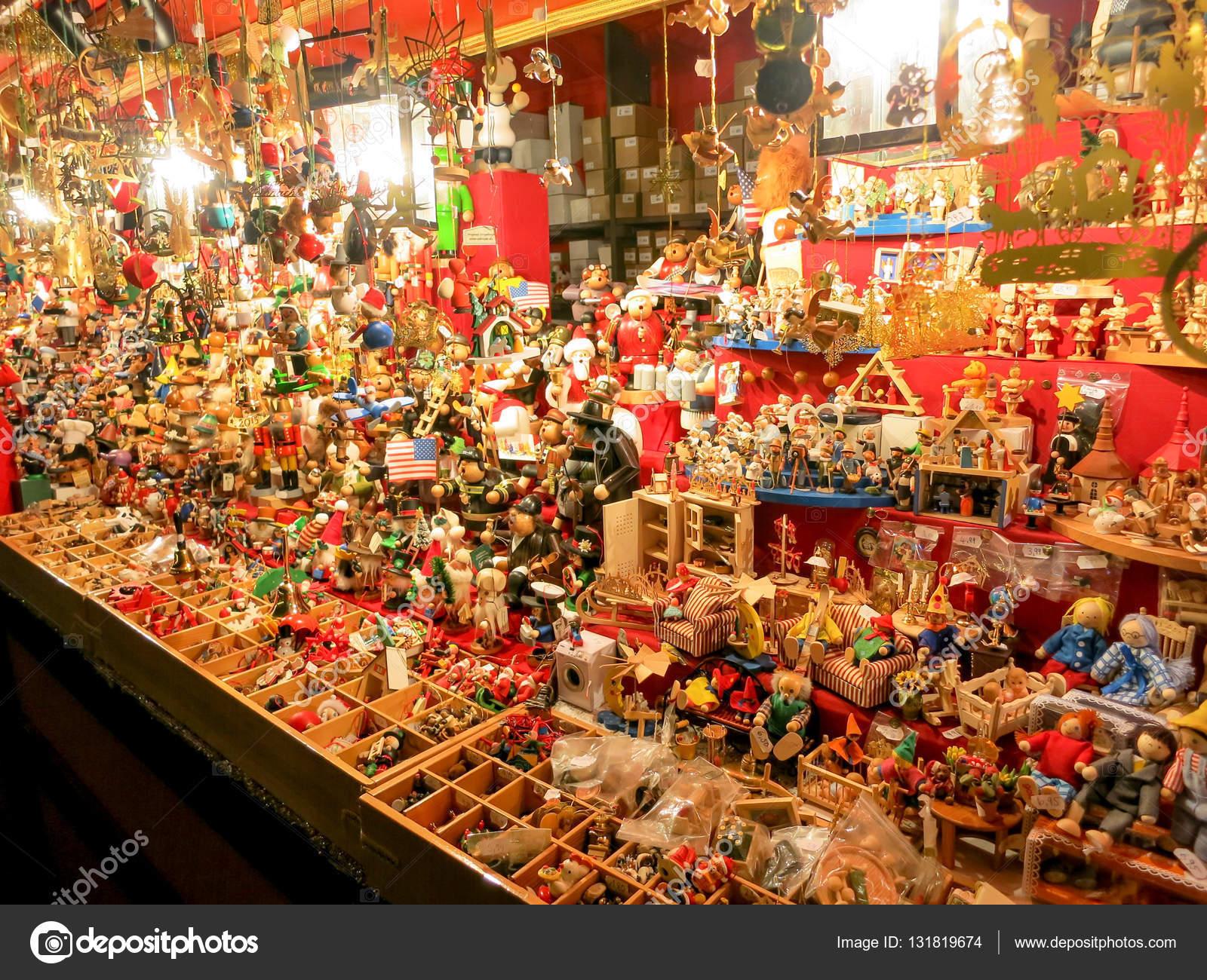 Weihnachtsmarkt Nürnberg.Weihnachts Dekoration Auf Dem Weihnachtsmarkt Oder Den