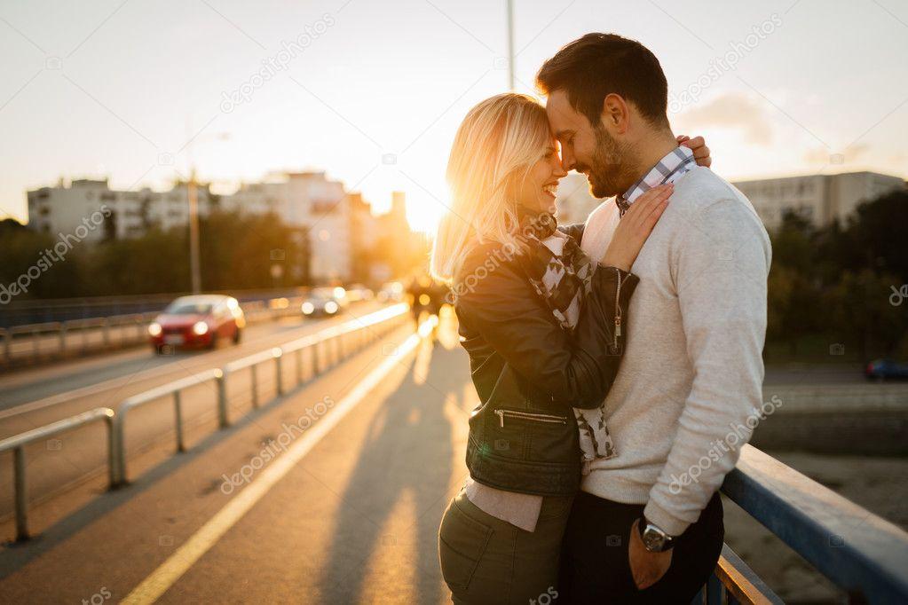 мобильные знакомства поцелуй