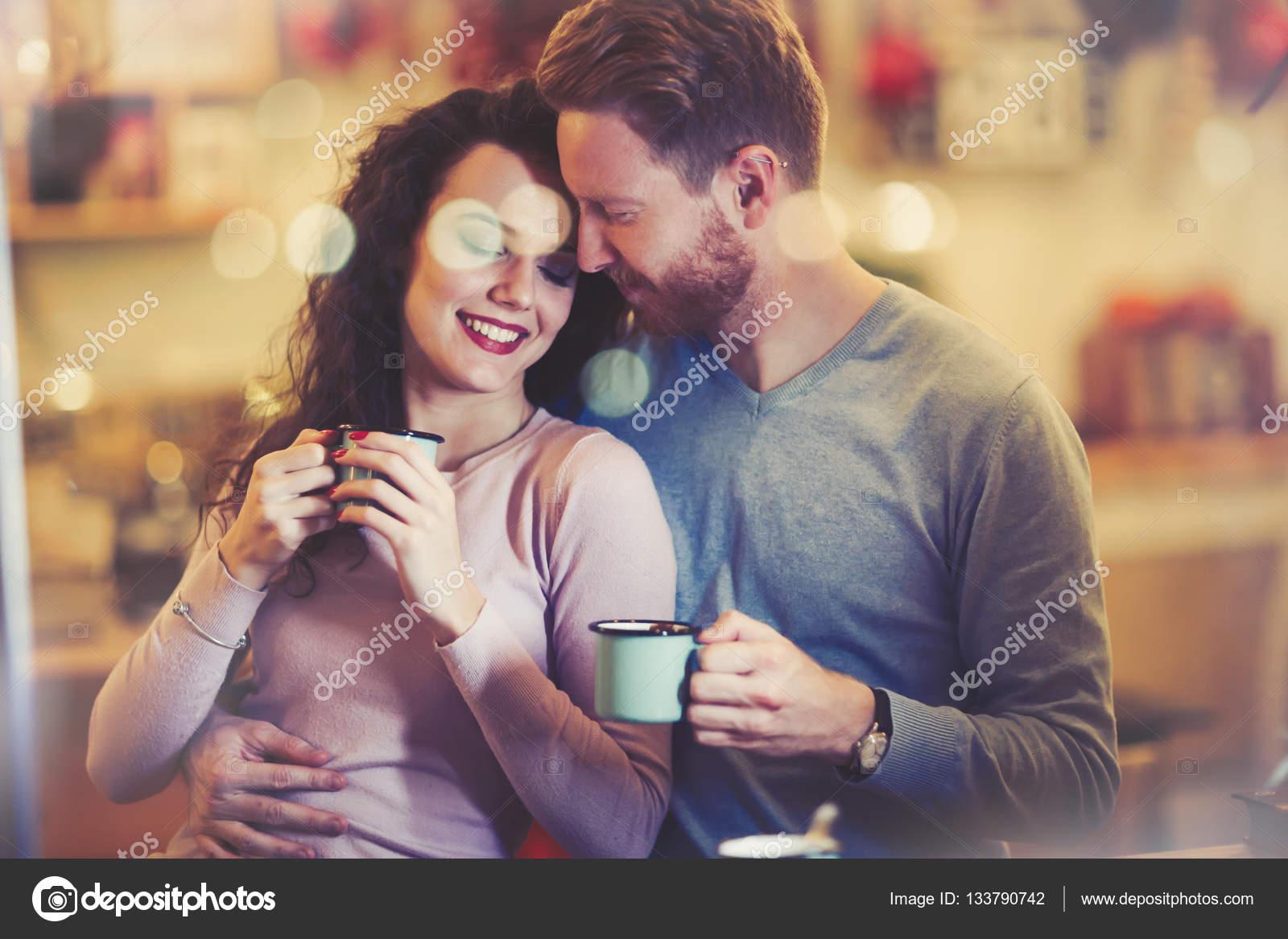 dating caffe hh brzinsko druženje za štrebe chicago
