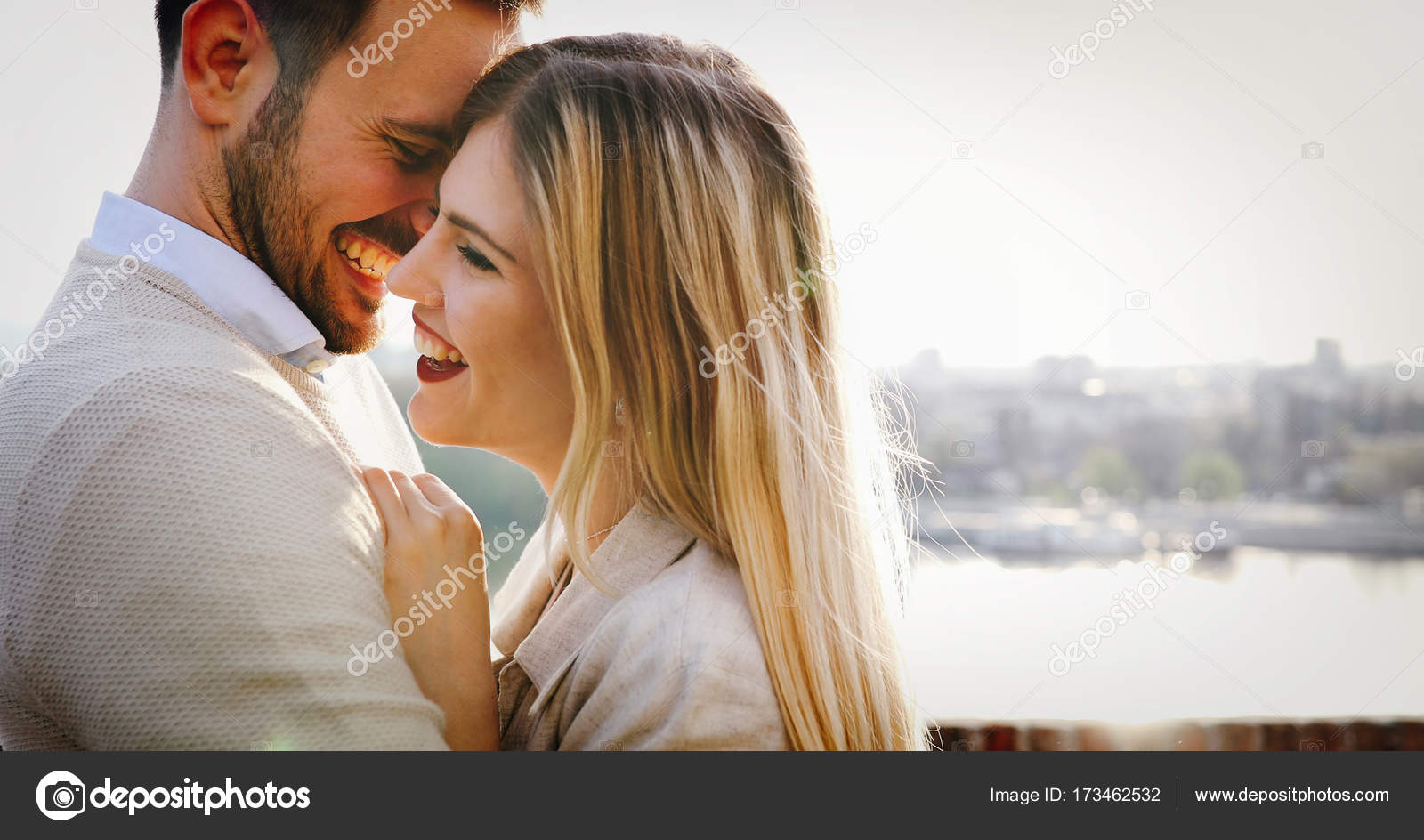 Знакомства для наружнох пар мадлен знакомства не курит