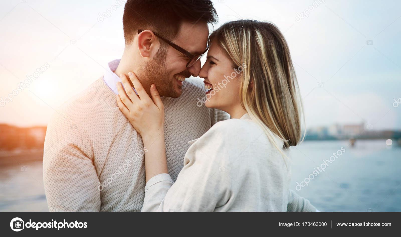 знакомства поцелуев