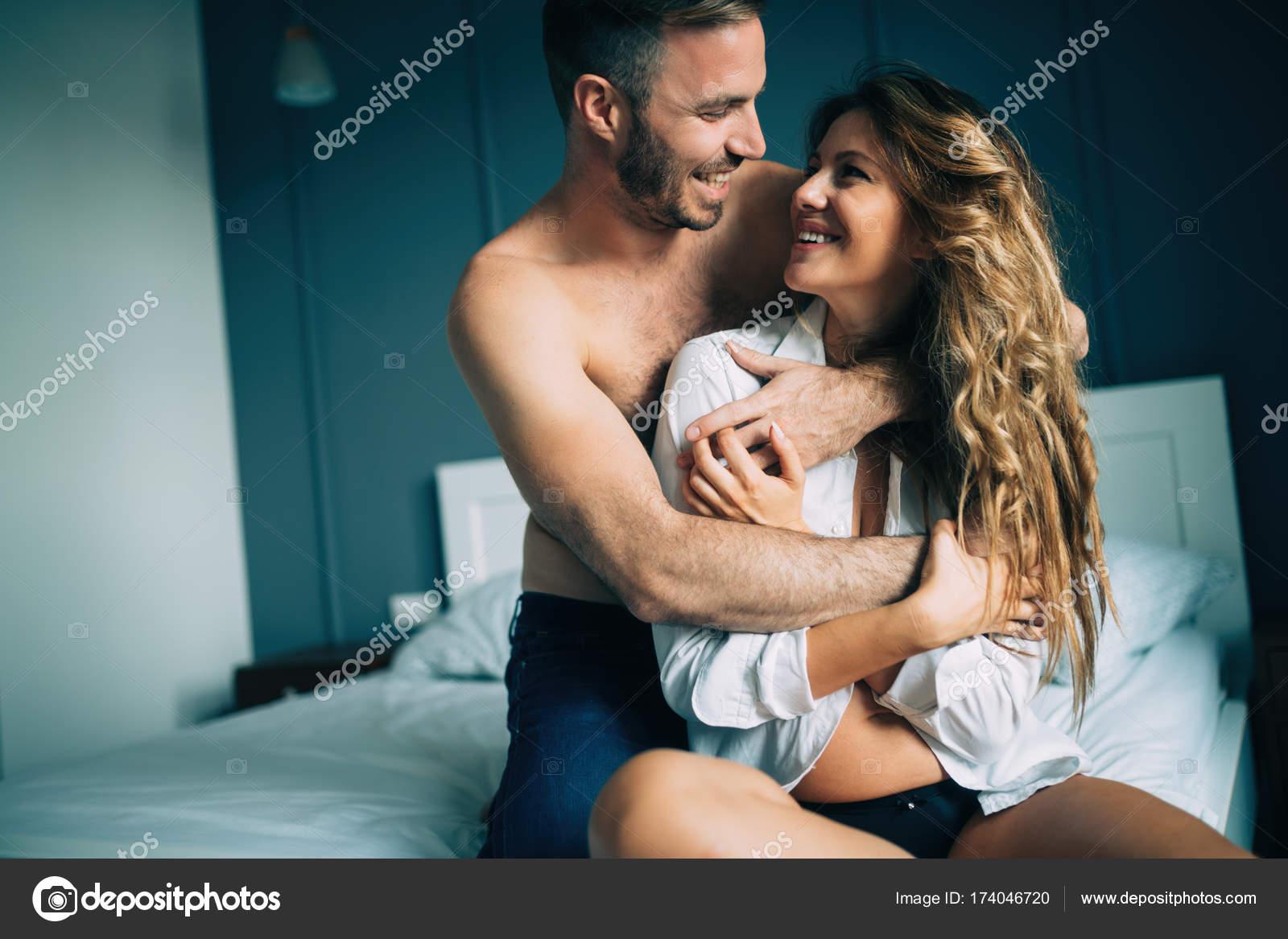 Интимный фотки молодой пары 4