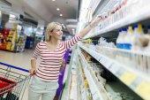 Fényképek Vásárlás a szupermarketben nő