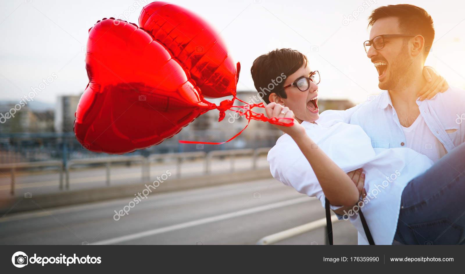 Романтическая любовь знакомства знакомства для секс без регистрация