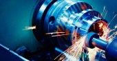 obráběcích strojů v kovových továrně vybavené automatické vrtací cnc stroje