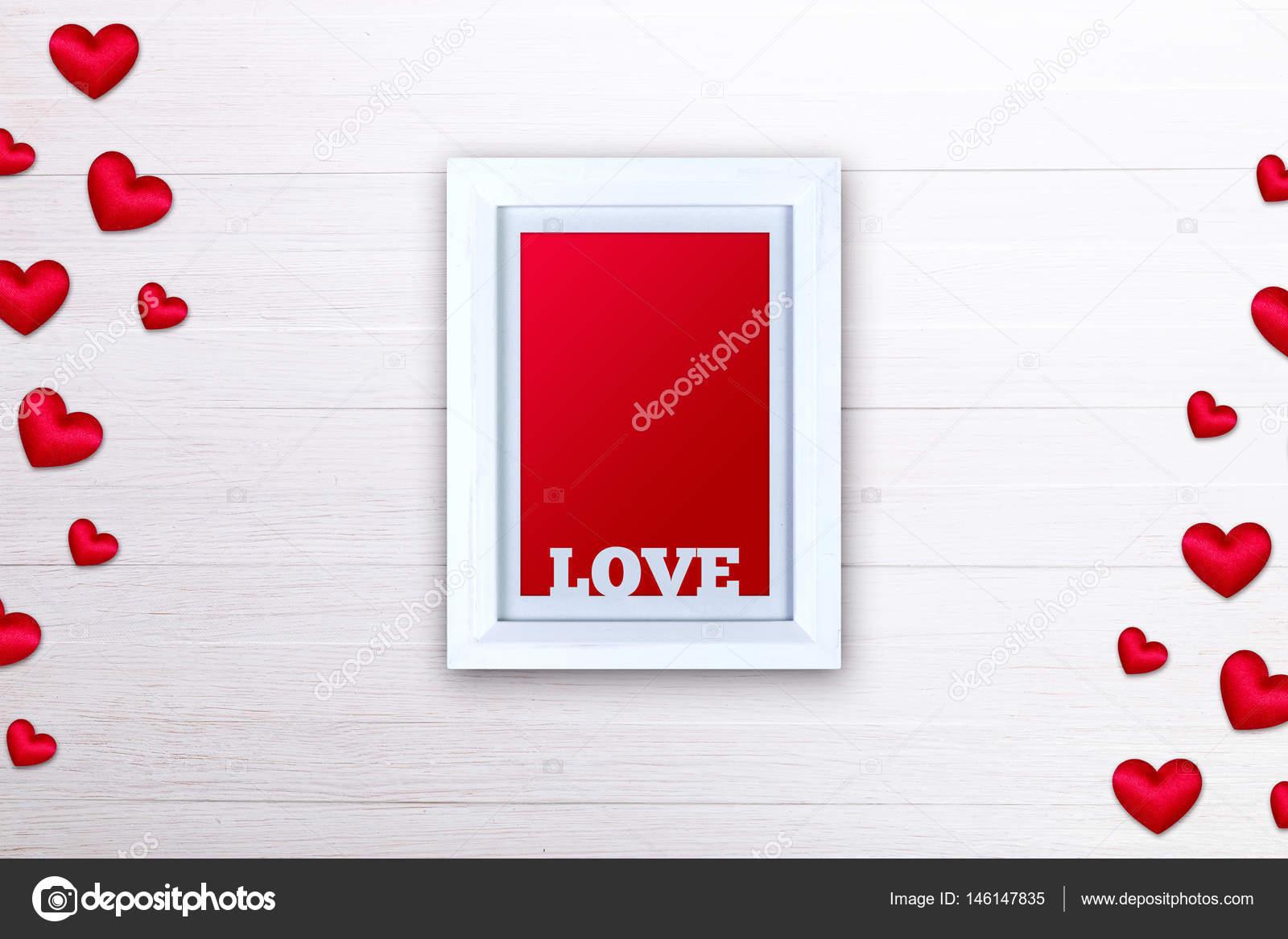 Leere Bilderrahmen. Rote satin Herzen. Liebe design — Stockfoto ...