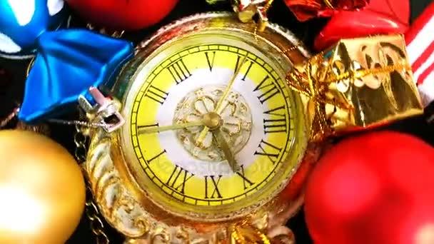 Vánoční hračky a krásné hodinky