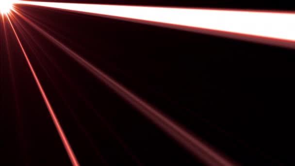 Zökkenőmentes hurok Fénysugarak csillogó csíkok a bal felső sarokban. Side diagonal fény optikai lencse fáklyák fényes animáció művészeti háttér 4 K Looping. Világítósugarak szimulációs hatása az átfedéshez.