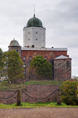 Vyborg Castle and fence of chains