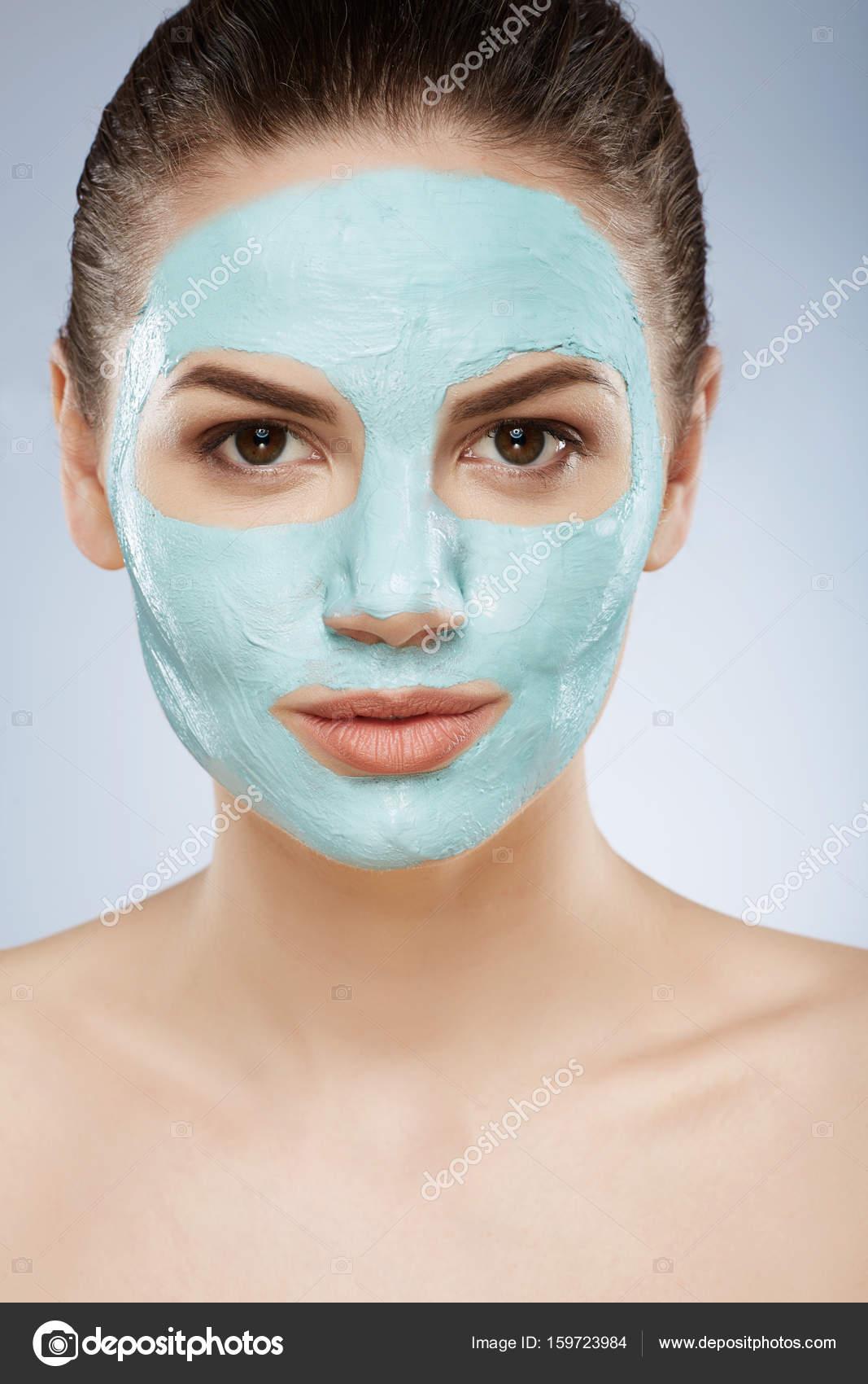 naked-girl-face-mask