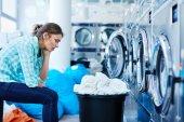 Žena strávila čas na mytí