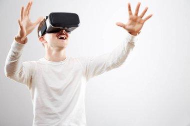 Man wearing virtual reality device