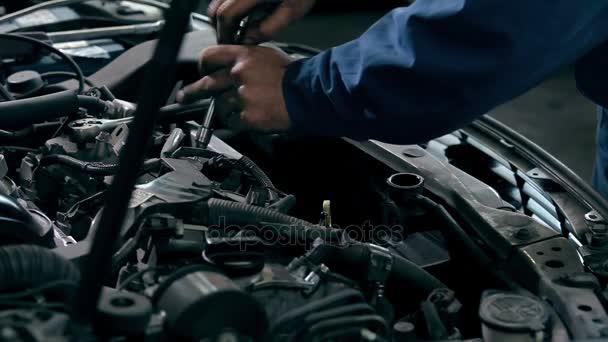 mechanické opravy auto motor