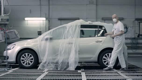 Erkek Hazırlamak Araba Boyama Için Stok Video Photooles 168490390