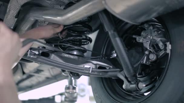 Szerelő javítás autó kerék