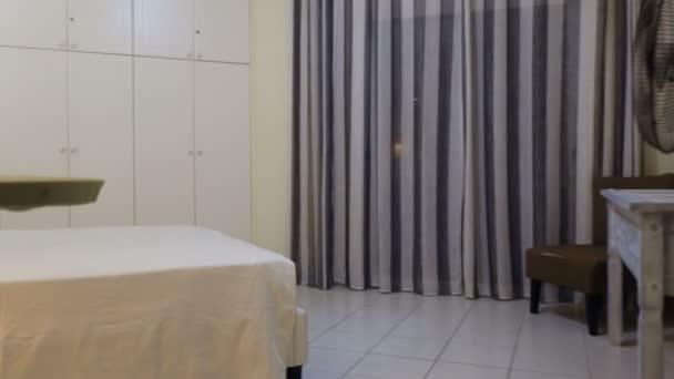 Elegáns hálószoba, modern apartman