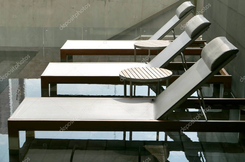 Charmant Three Suntan Chair Near Hotel Swimming Pool U2014 Stock Photo