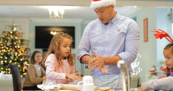 Takže vánoční sušenky s tátou