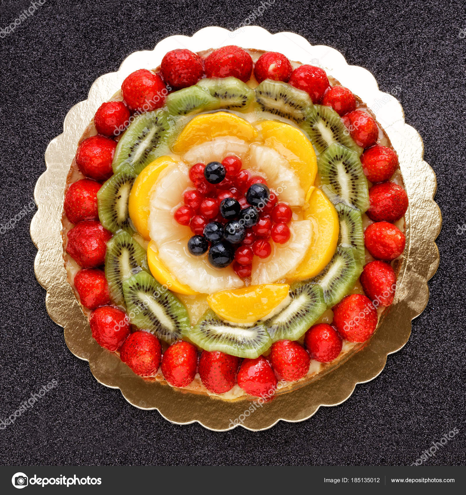 Kuchen Kuchen Obst Dekoriert Topview Stockfoto C Canbedone 185135012