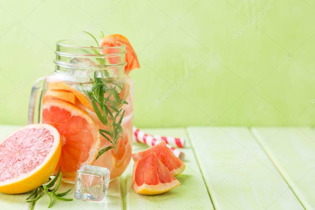 Rosemary and grapefruit detox water