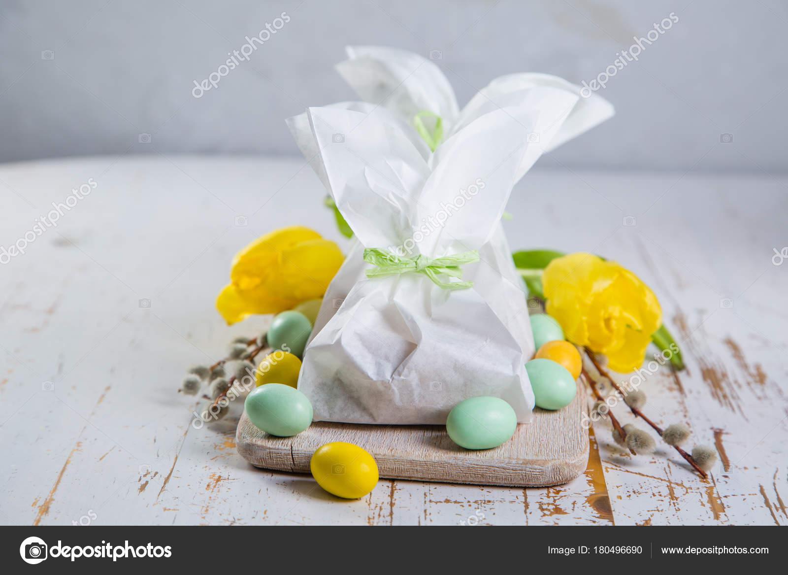 Easter bunny gift bag stock photo anaumenko 180496690 easter bunny gift bag stock photo negle Images