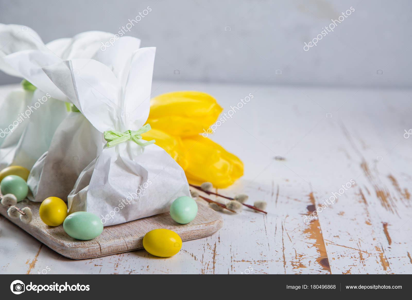 Easter bunny gift bag stock photo anaumenko 180496868 easter bunny gift bag stock photo negle Images