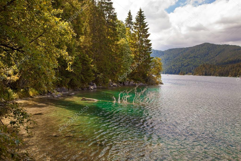 Фотообои Beautiful mountain views from Eibsee lake, Germany
