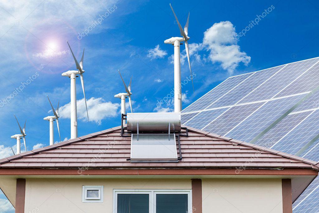 Solaranlage Fur Warmwasser System Auf Dach Und Windturbinen Blau