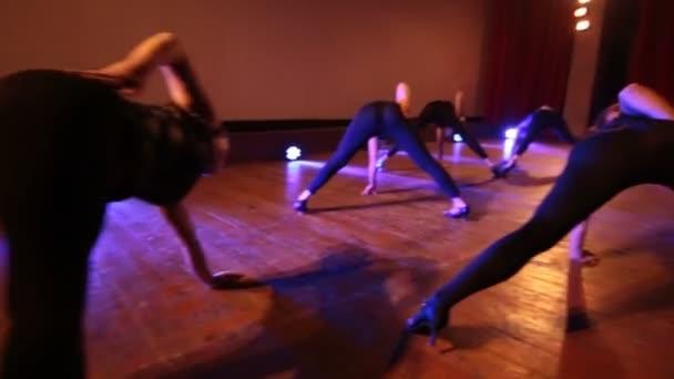 Сексуалные танци девочки