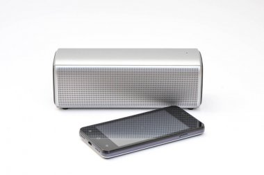 Wireless speaker connected to mobile phone - wireless mobile technology