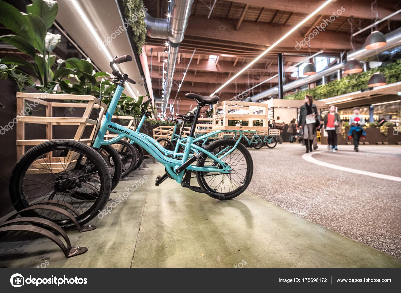 Fahrrad Shopping Carts Moderne Italienische Küche Superstore Fico Eataly  Welt Bologna U2014 Stockfoto