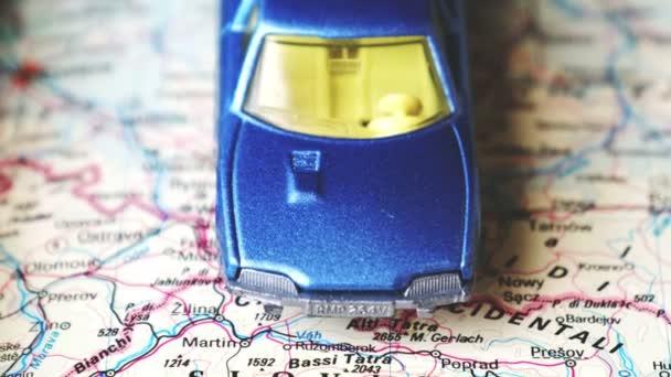 Slovensko mapa blue hračka auto pozadí cestování koncept