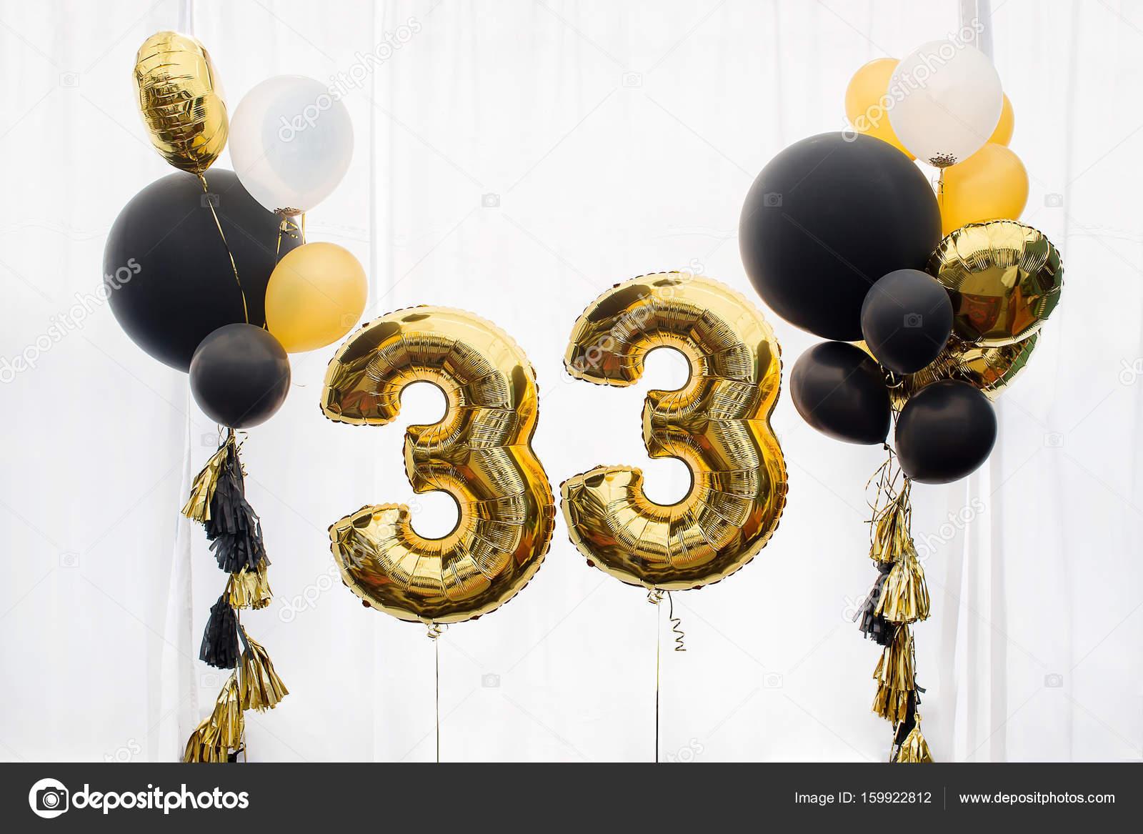 33 éves szülinapi köszöntő Dekoráció a 33 éves születésnap, évforduló — Stock Fotó © 371819  33 éves szülinapi köszöntő