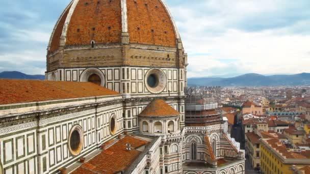 Krásné florentské krajina. Santa Maria del Fiore a červené střechy Florencie, Itálie