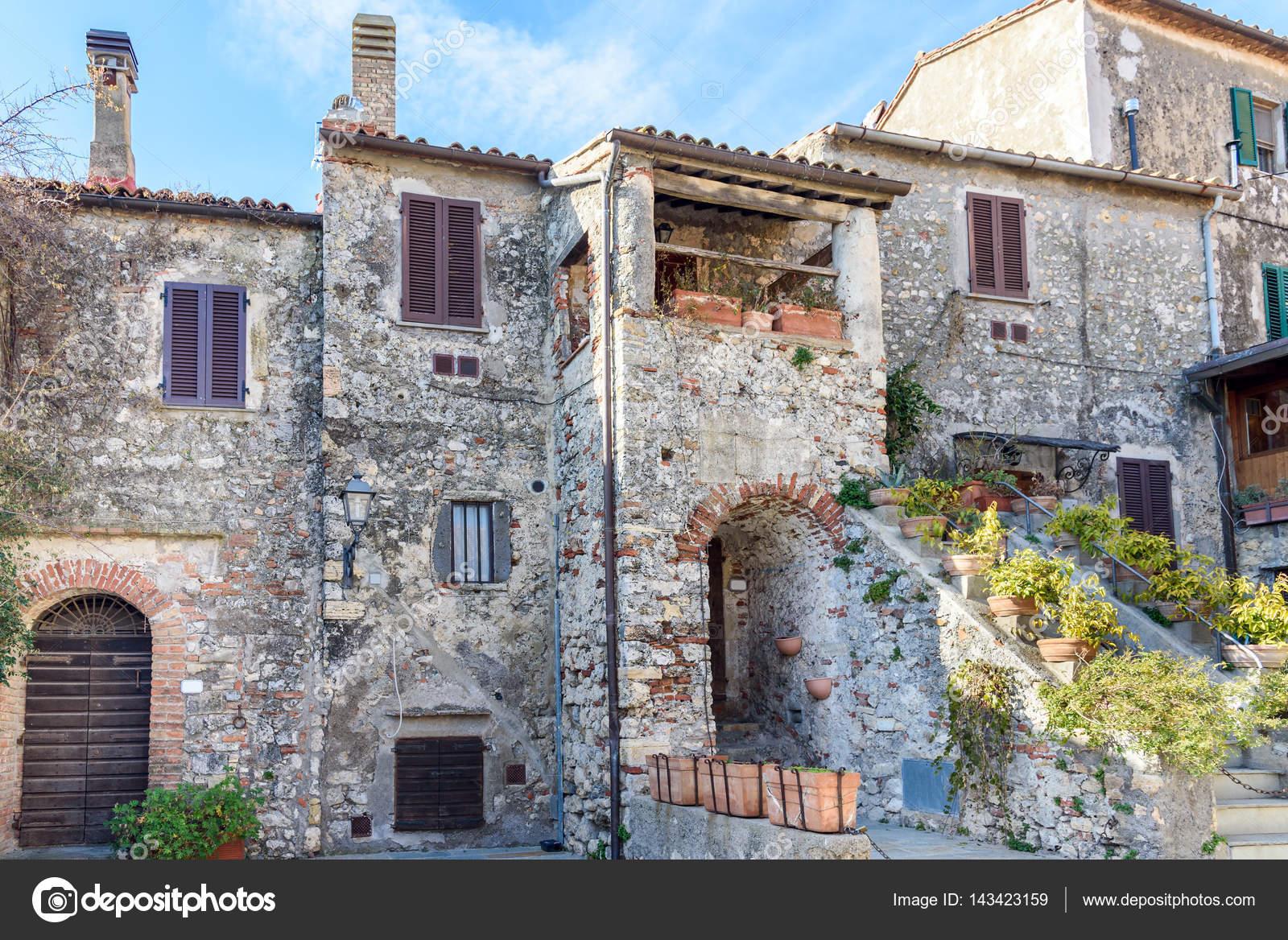 casas en Toscana — Foto de stock © Gio.Ca #143423159