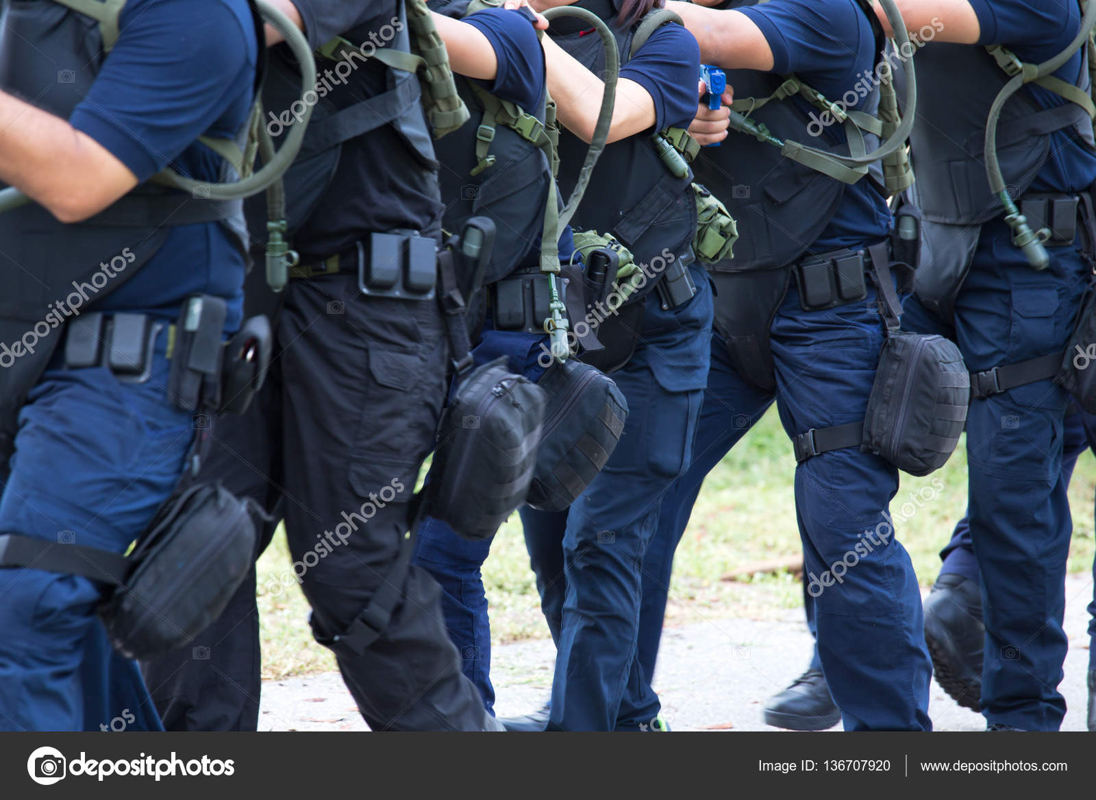 de21e96dad93 Törvény végrehajtási képzés csapat harcászati felszerelés, és taktika —  Stock Fotó