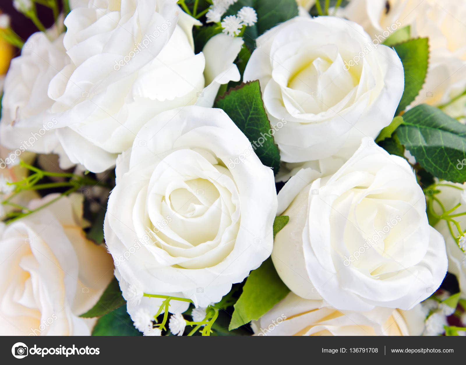 Bunch Of White Rose Flowers Arrangement For Decoration Stock Photo