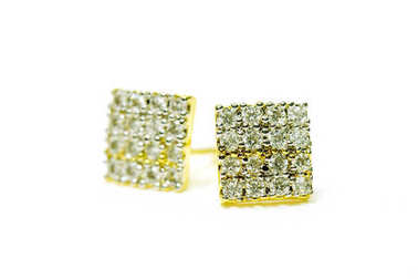 Gold pendant cameo earring jewelry in square diamond shape isola