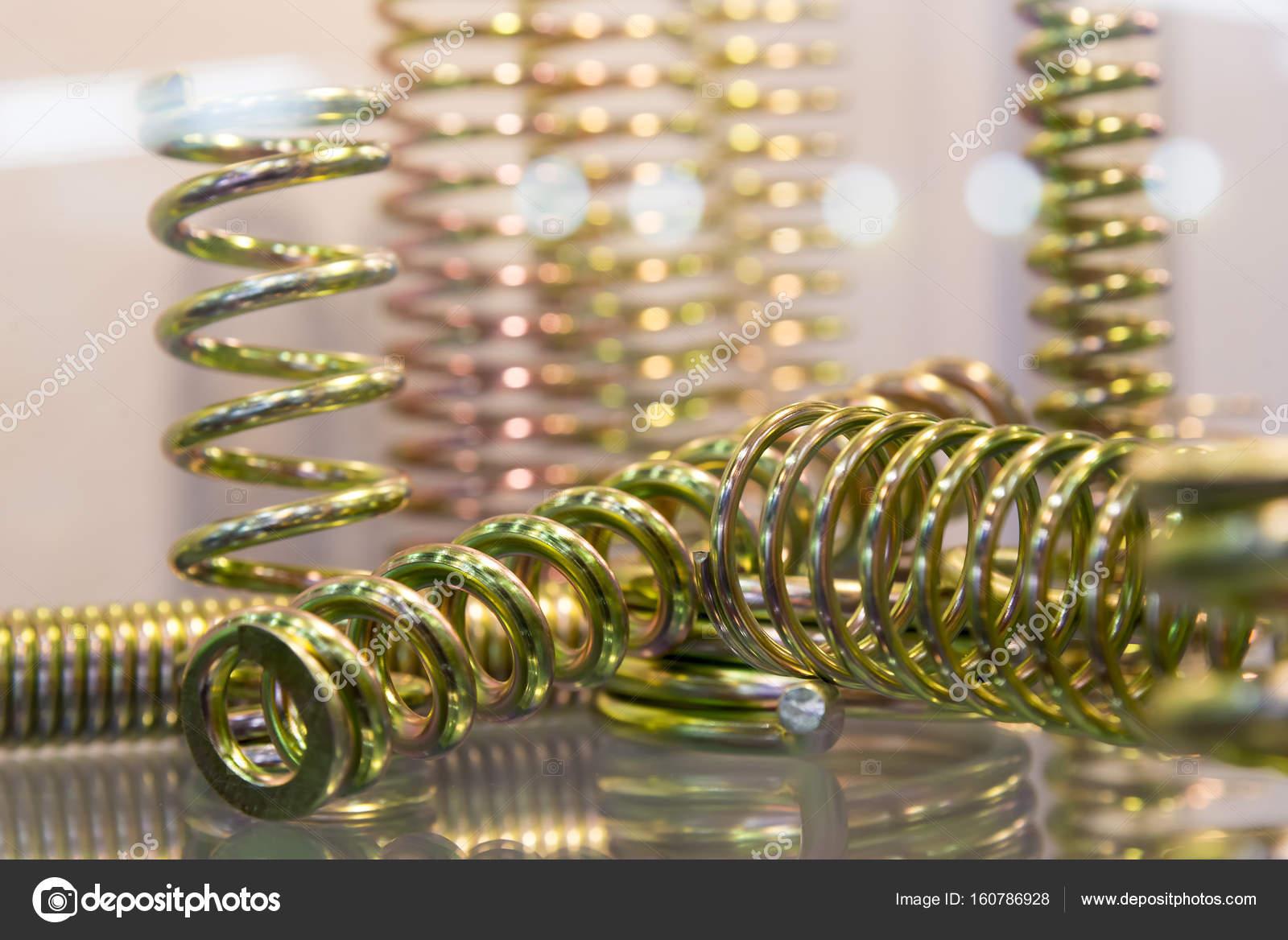 De fractie van de spiraalveer ophanging u2014 stockfoto © phuchit.a