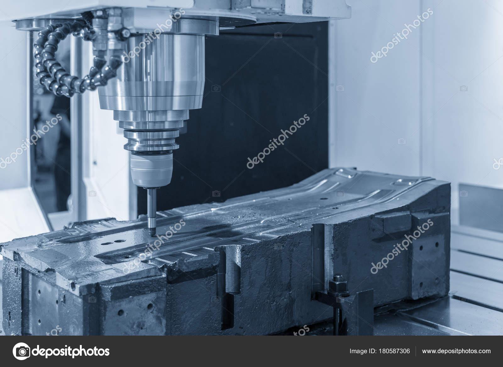 Die CNC-Fräsmaschine Zuschneiden der Probe Teil — Stockfoto ...