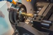 Fényképek Vágás a sárgaréz tengely Cnc eszterga gép