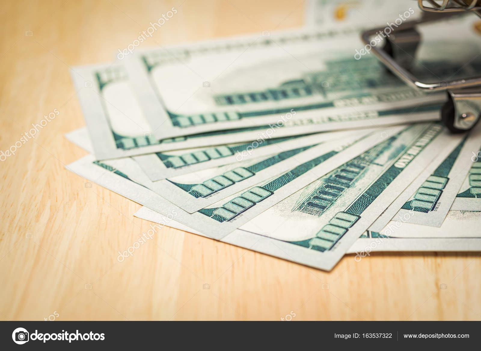 Sparen Geld-Konzept für den Kauf von neuen Zuhause für Ihre Familie ...