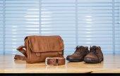 Pánské kožené módní oblečení, boty, tašky a pás na překližky t