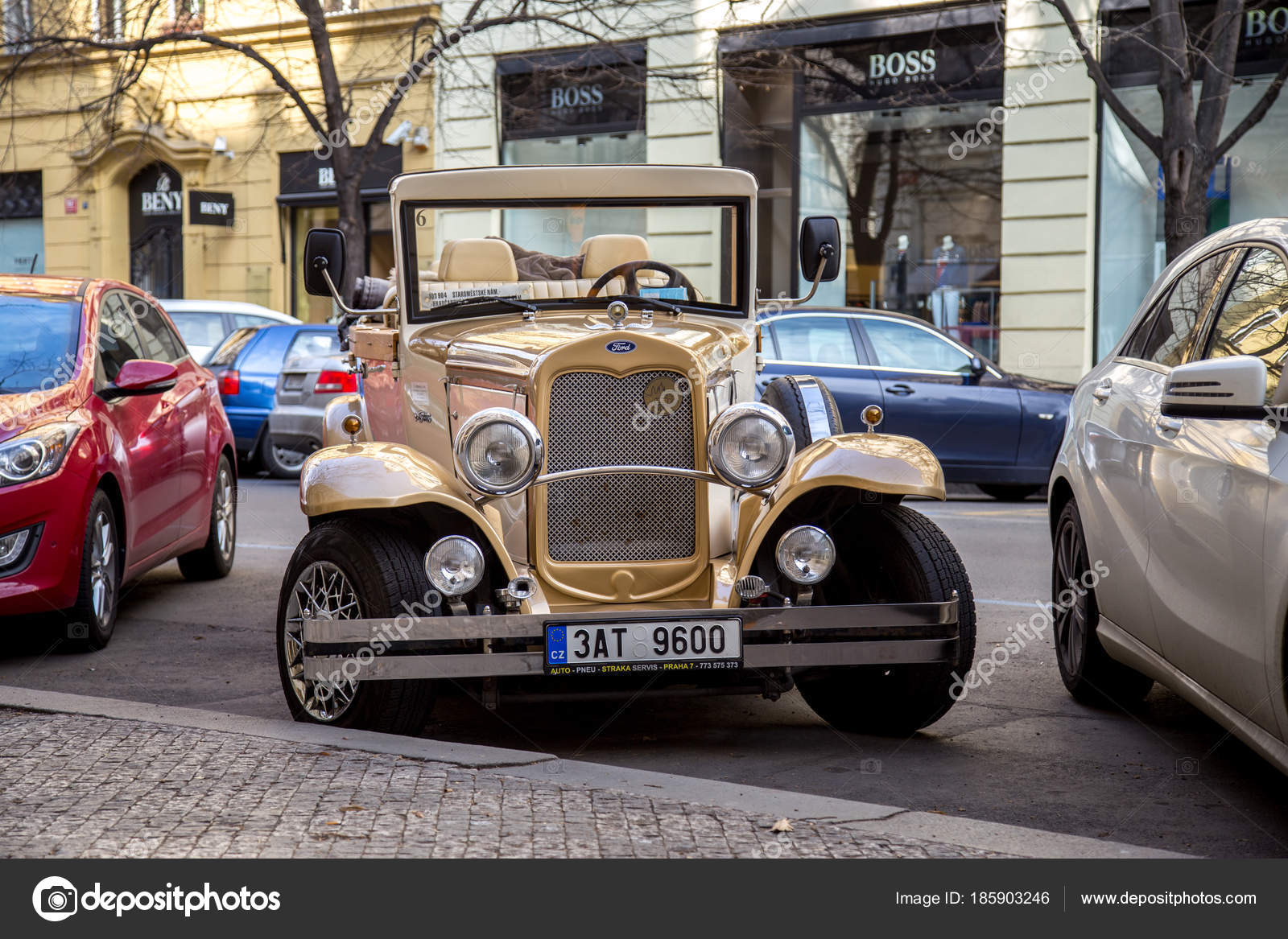 Antique car for sightseeing tours in Prague – Stock Editorial Photo ...