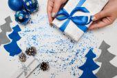 Příprava vánoční výzdoba a dárky